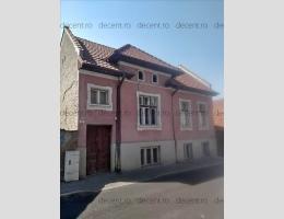 Casa, 4 camere, 2 livinguri, Centru Istoric